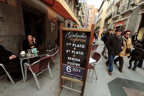 Spain Wine Drinking Plummets as Rioja Sees Future Abroad