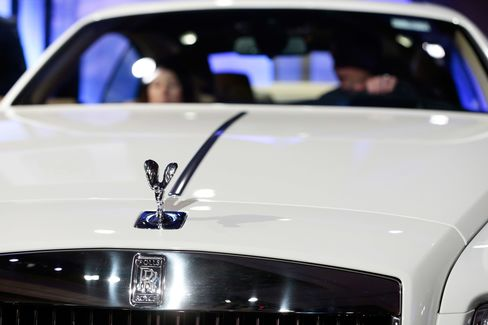 """Project Cullinan"" is the name of the mule Rolls-Royce created as a way to test the all-wheel drive for its new SUV."