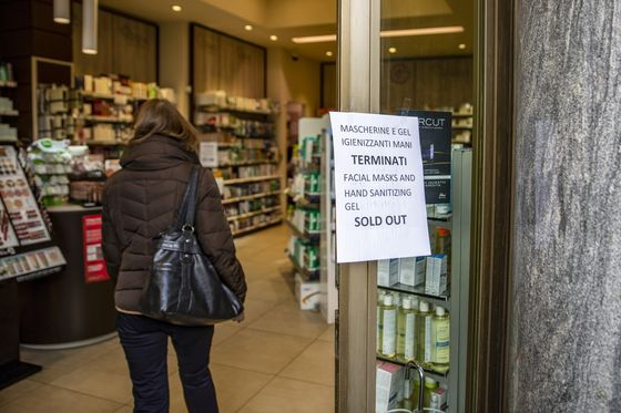 Virus Outbreak Drives Italians to Panic-Buying of Masks and Food