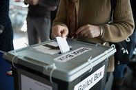 4519P_ECON_ELECTIONS_07-HP