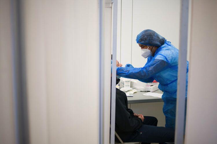 Swab Testing in Paris as Europe Virus Cases Surge