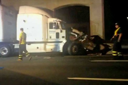 Tracy Morgan Crash Brings New Attention to Trucker Rest Rules