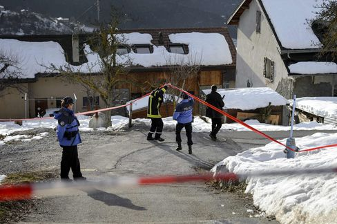 Gunman Shoots Dead Three People, Injures Two in Swiss Village