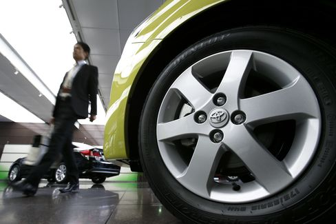 Nissan's Ghosn Says Cheaper Yen Remains in 'Handicap Territory'