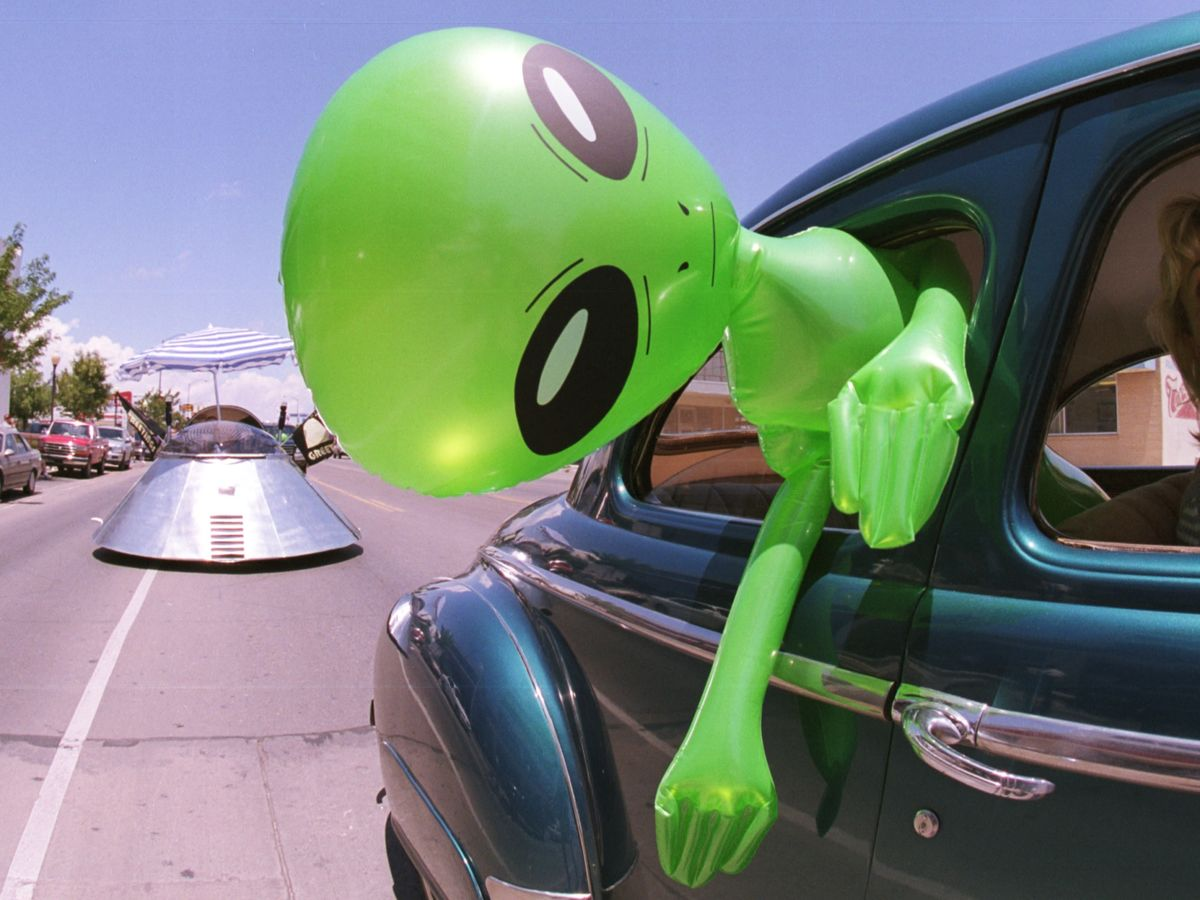 The UFO Report Won't Change Minds. But Maybe It Should.