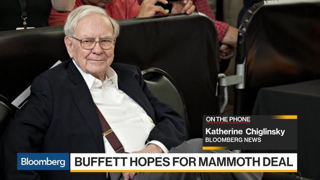 Buffett Makes Case for His Successor to Keep Berkshire Together