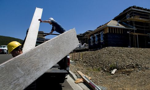 U.S. Homebuilders Plummet After Employment Gains Miss Estimates