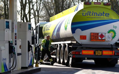 U.K. Fuel Tanker Drivers Union Rules Out Strike Over Easter