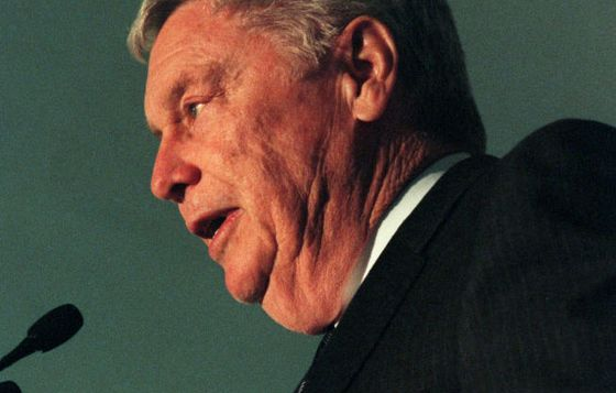 B. Wayne Hughes, Billionaire Real Estate Investor, Dies at 87