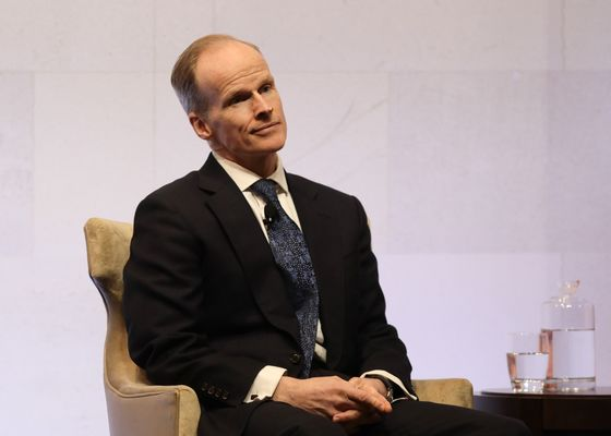 Tesco U.K. CEO Wilson to Step Down Due to Throat Cancer