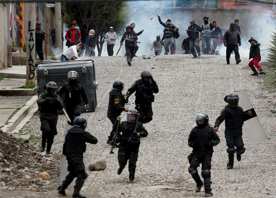 Crisis in Bolivia Thwarts Gas Exploration by Shell, Peers