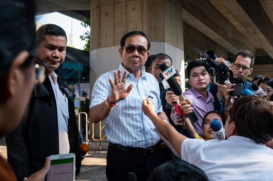 Thai Military Party Leads Vote, Prayuth Looks Set to Keep Power