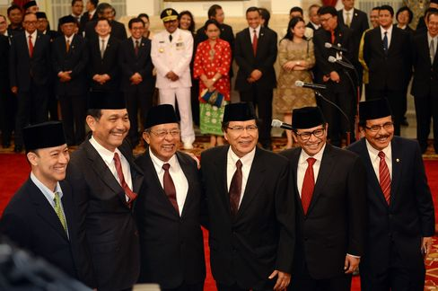 Rizal Ramli, third from right, with the five newly appointed Indonesian ministers
