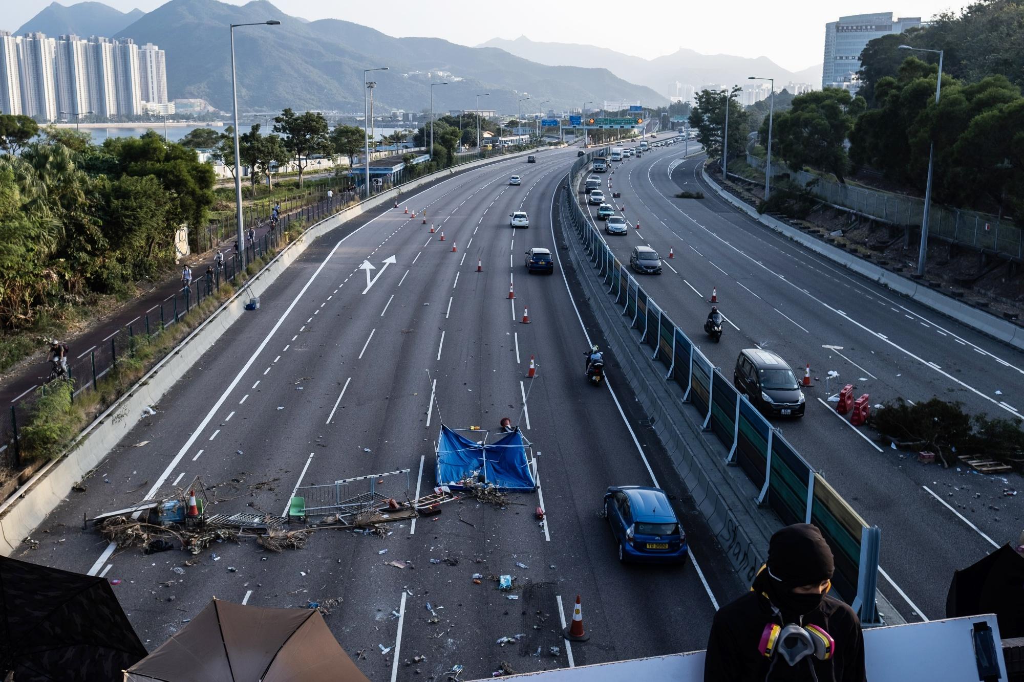 香港中文大学での衝突は終息-デモ隊がキャンパスから撤収 - Bloomberg