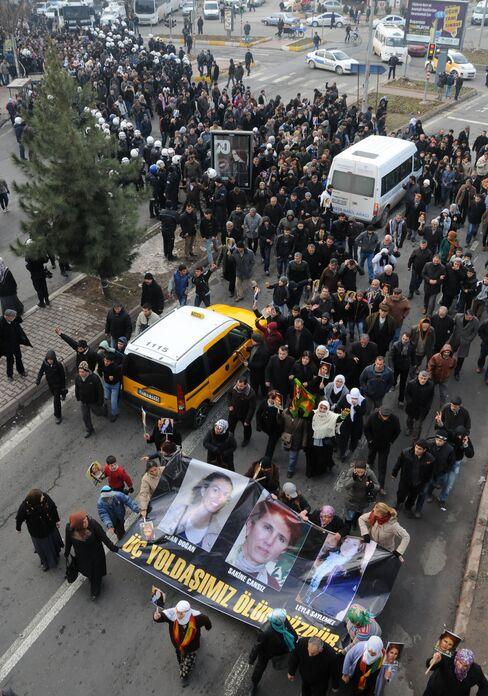 Mayor's Sons Split by Turkey-PKK War as Funerals Test Peace Plan