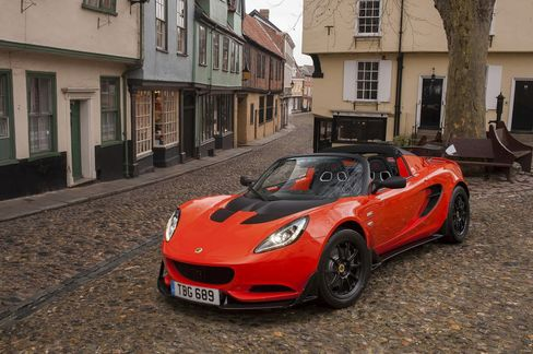 The 2017 Lotus Elise Cup 250, the fastest Elise made to date.