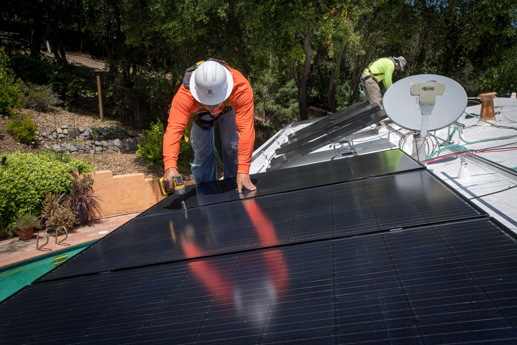 bloomberg.com - Brian Eckhouse - Loans Are Now the Most Popular Way of Getting Home Solar Panels