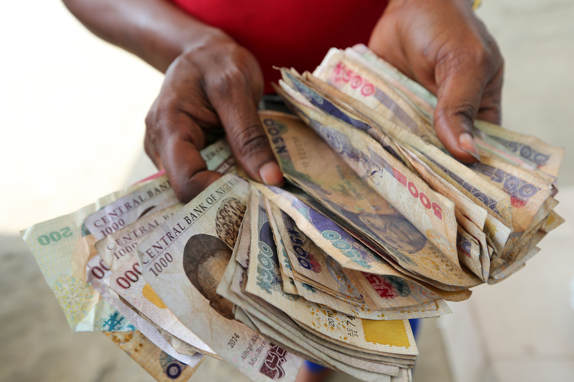 Pounds To Naira Black Market >> Nigeria S Naira More Likely To Follow Egypt Playbook Than