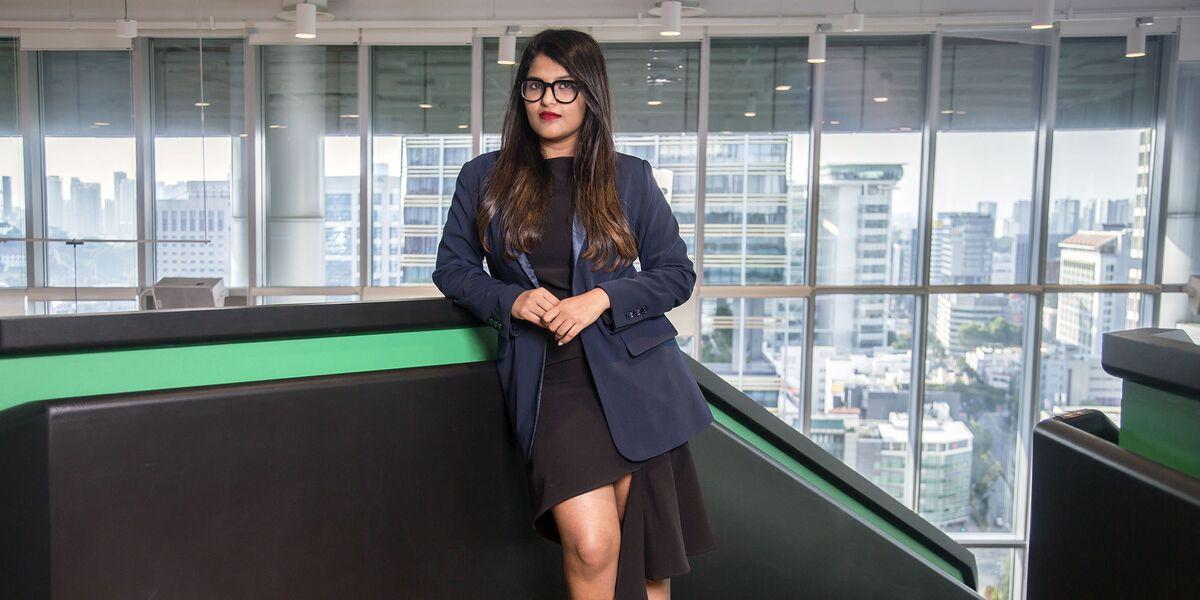 How a 27-Year-Old CEO Built a Near $1 Billion Fashion Startup
