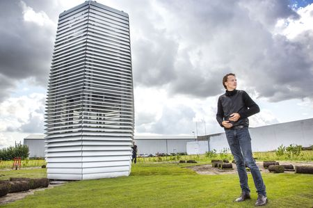 Daan Roosegaarde with his smog-free tower.