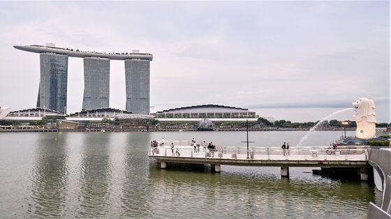 No 'Big Bang' Virus Reopening as Singapore Seeks Middle Path