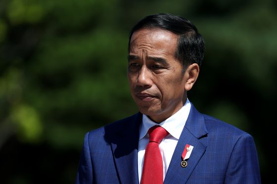 Jokowi Challenger Moots Tax Cuts to Stimulate Economy