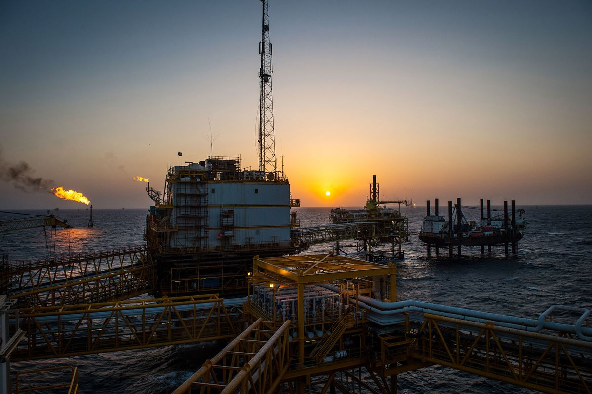 India Preparing to Buy Iranian Crude Once U.S. Sanctions Eased thumbnail