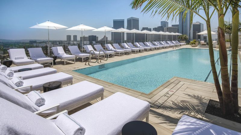 -1x-1 The Best New Hotels in Los Angeles, Reviewed