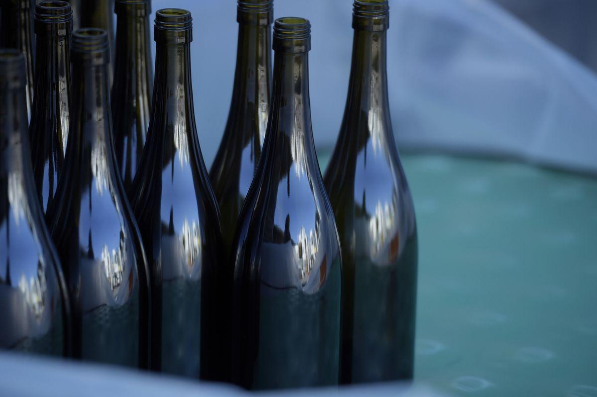 <p>Australia Wants WTO to Resolve Wine-Tariff Dispute With China thumbnail