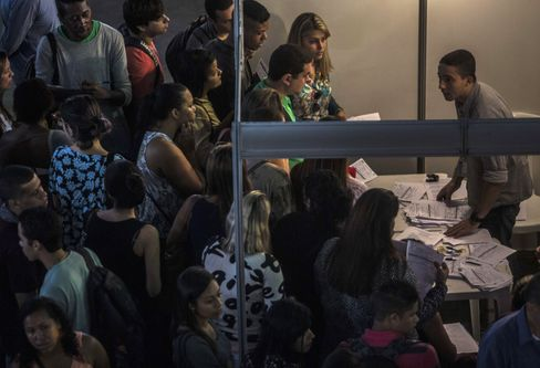 Job seekers at an employment fair in Brazil.
