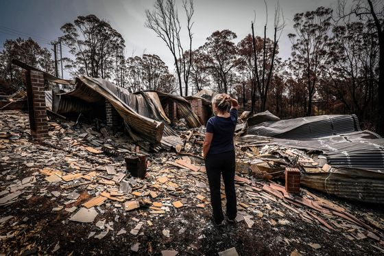 Chinese Tourists Cancel Trips to Australia After Wildfires