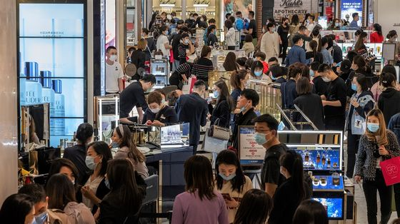 China's Recovery Remains Unbalanced as Retail Spending Lags