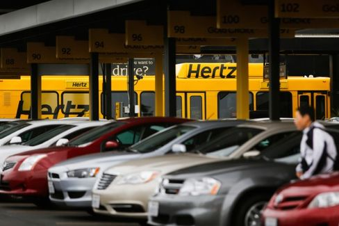 Hertz Plunges on Auto Recalls, Accounting Problems