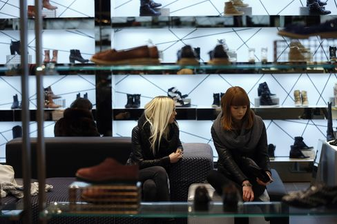 U.K. Retail Sales Unexpectedly Stagnated in November