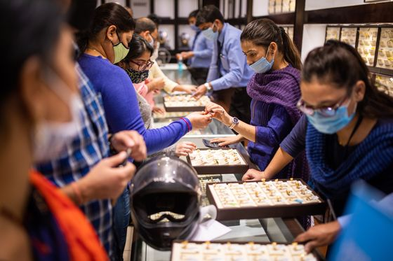 India's Pandemic Recovery Means Golden Days Ahead for Jewelers