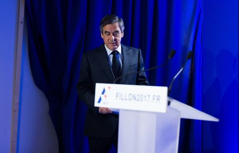 Fillon at press conference, March 1.