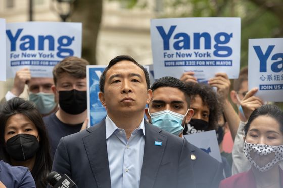 Andrew Yang Loses NYC Poll Lead as Rivals Stress Experience Gap