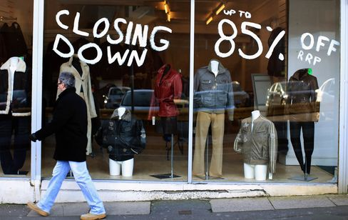 Lights Out on High Street as U.K. Shoppers Select Online
