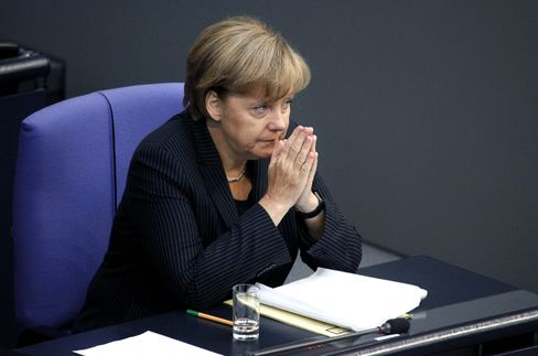 Germany Said to Ready Plan to Help Banks If Greece Defaults