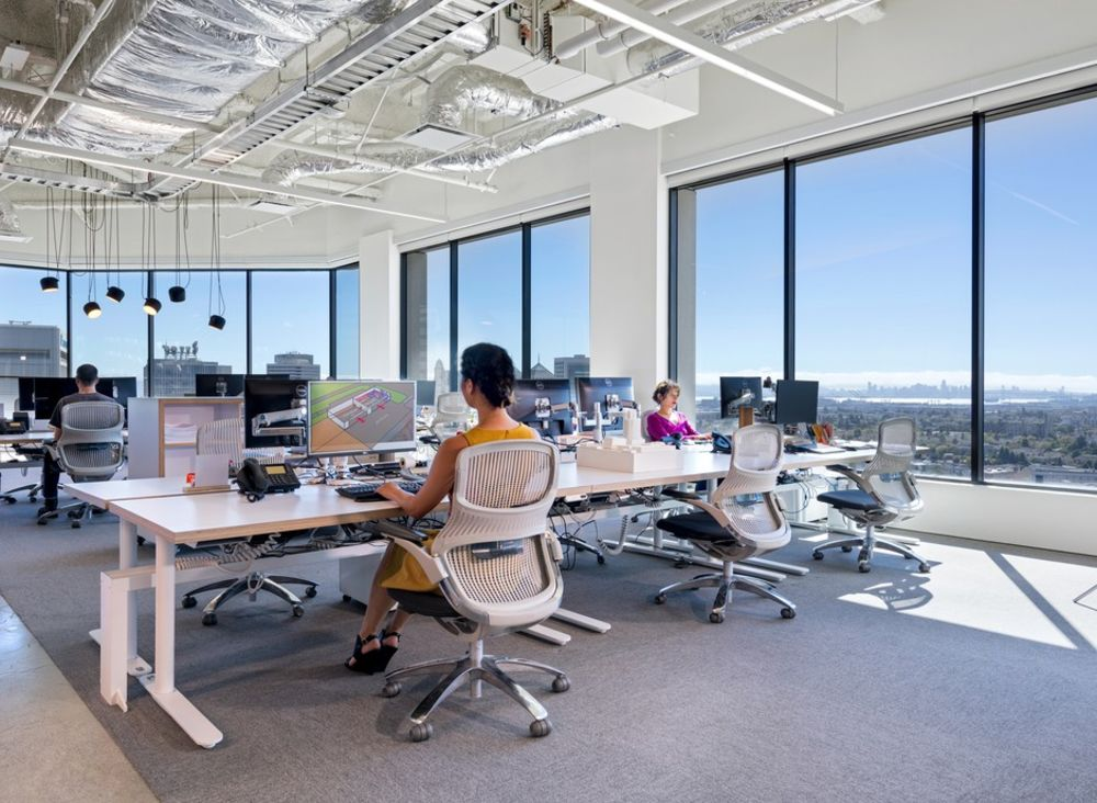 Even The Pandemic Can T Kill The Open Plan Office Bloomberg