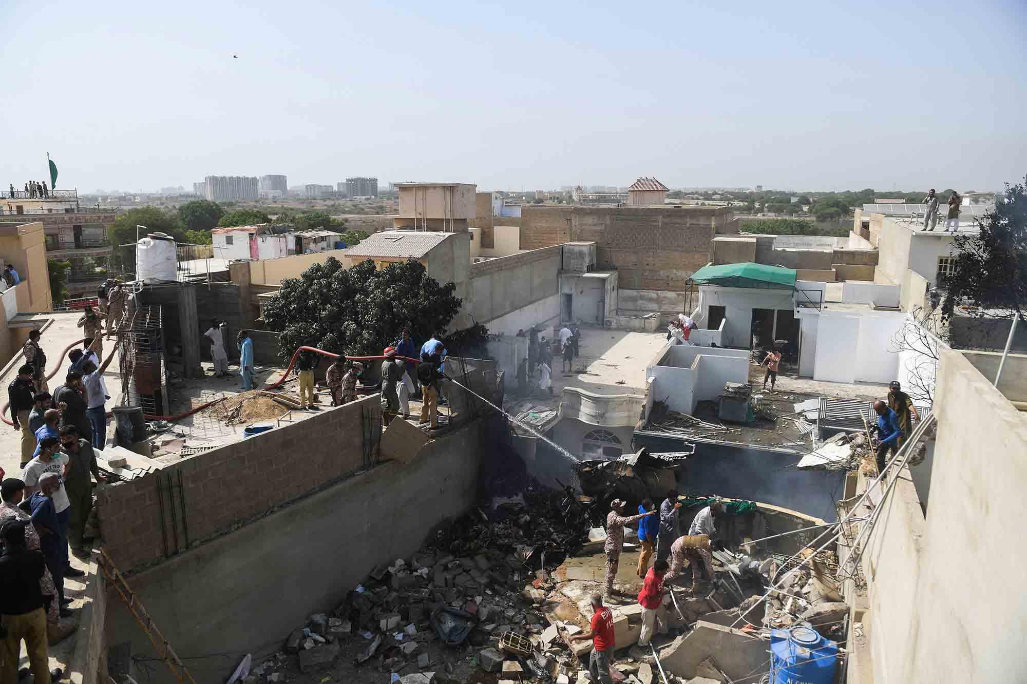 事故 パキスタン 墜落