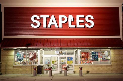 Staples Feeds the Bears