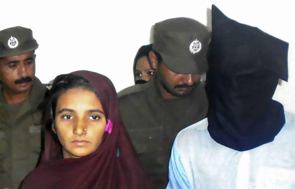 Pakistan Court Frees Christian Woman Sentenced in Blasphemy Case ... 985e87fc9e