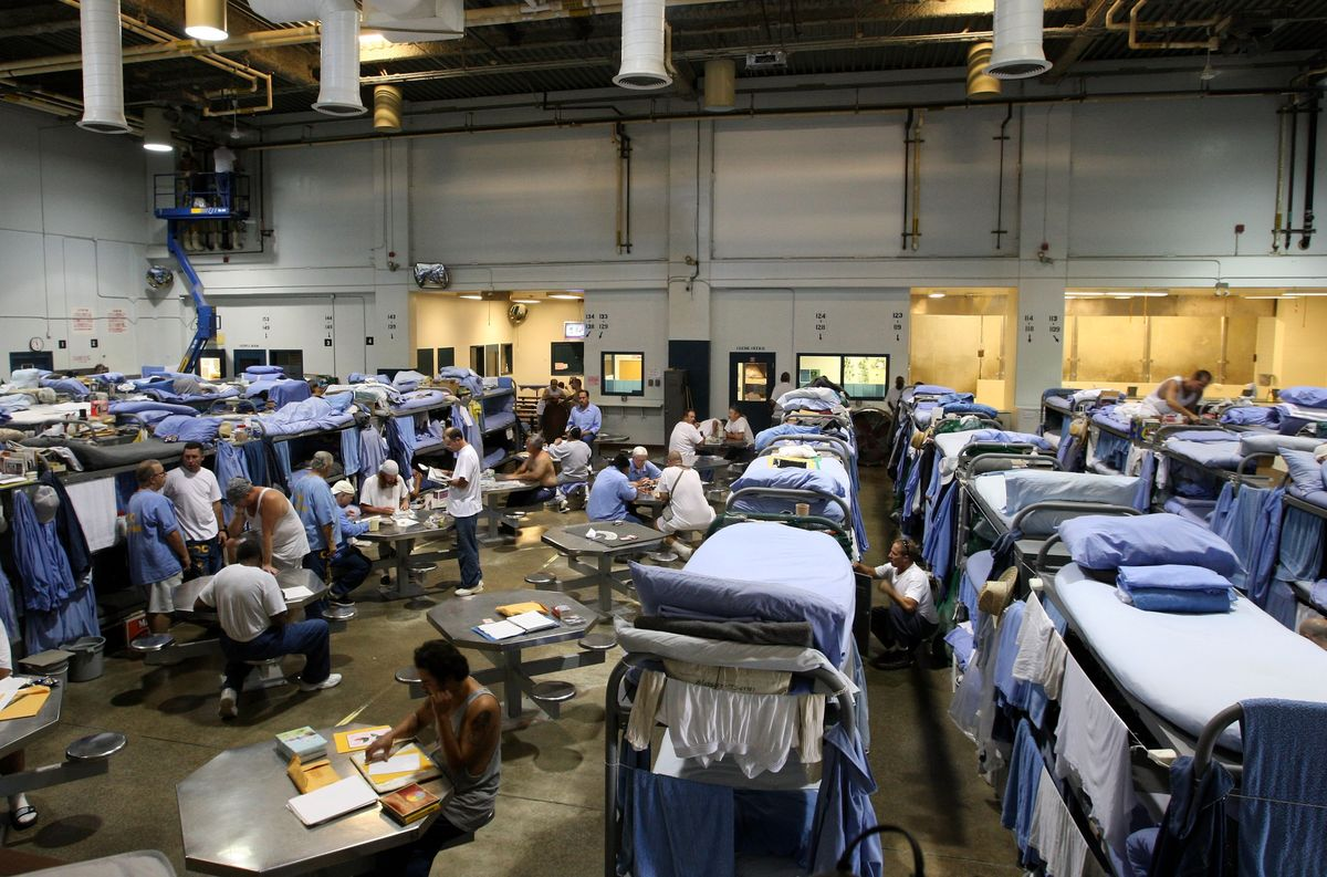 Overcrowded Prisons Around the World Are a Viral Danger
