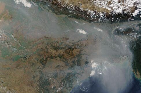 Satellite image of haze over the Indo-Gangetic Plain on Jan. 3, 2016. Source: Nasa