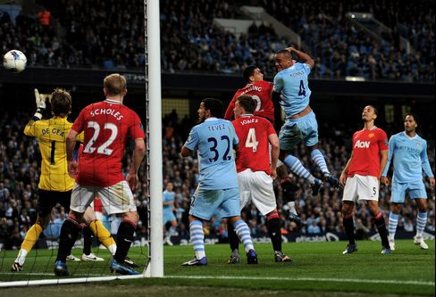 Manchester City Takes Premier League Lead, Beats United 1-0