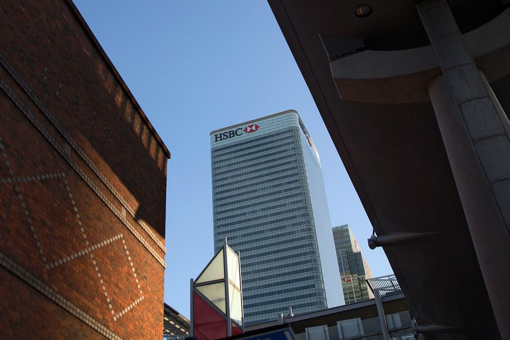 HSBC Reviews Moving Headquarters From London on Regulation - Bloomberg