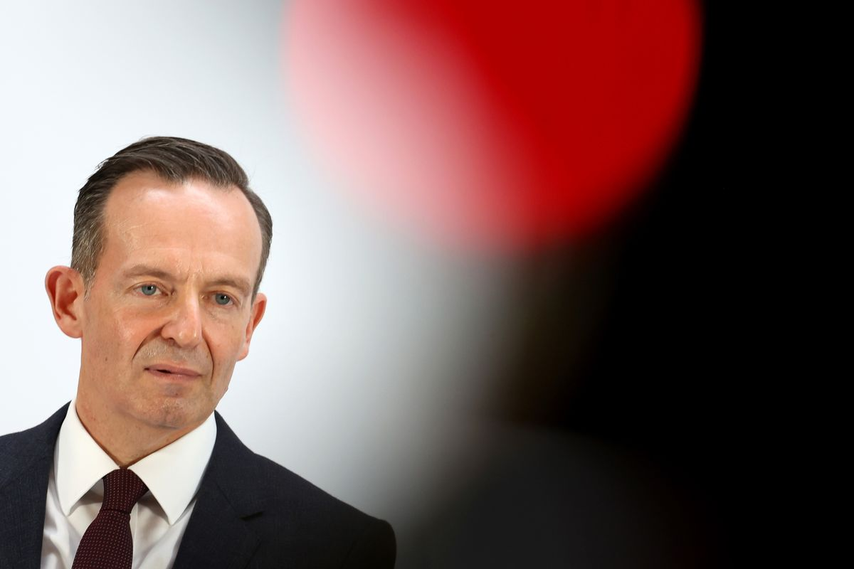 German Greens and Liberals Spar Over Budget Before Monday Talks thumbnail