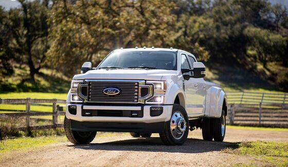 Ford Updates Cash-Cow 'Super Duty' Truck as Rivals Raise the Bar