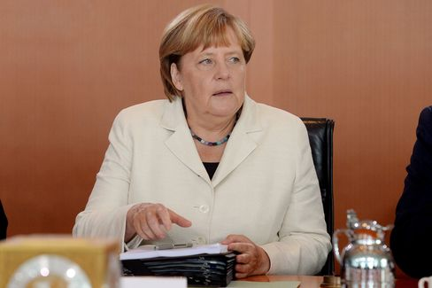 1472075305_Merkel
